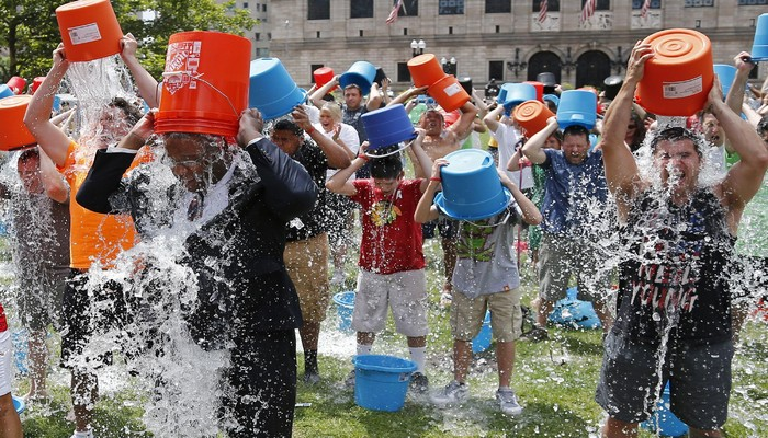 140811-boston-ice-bucket-challenge-1350_26906d39ac7ead702b45e5b7707b8dc6 (1)